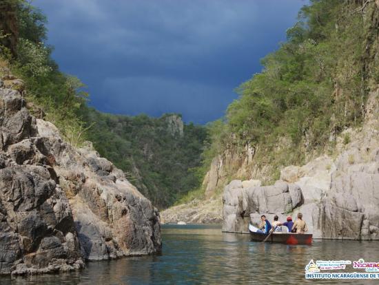 19 ニカラグアのグランドキャニオンをボートで探検!ソモト渓谷1日観光ツアー<英語ガイド/マナグ