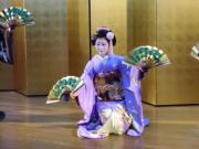 Maiko performing nihon buyo dance