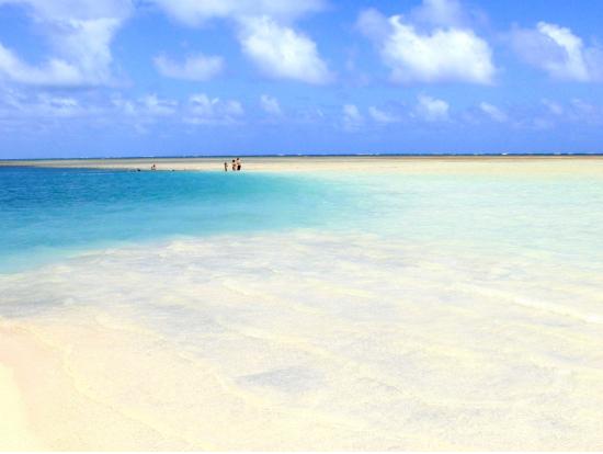 『海でも美脚でいたい!』を叶えるビーチサンダル特集♡