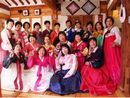 Korean cooking and cultural traditions experience in seoul for Traditional korean kitchen