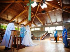 ハワイ 本格挙式(ウェディング) キャルバリー・バイ・ザ・シー教会 ビーチフォト付きプラチナパッケージ(挙式&事前打合せ・撮影・衣装・メイク)