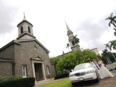 ハワイ 本格挙式(ウェディング) セントラル・ユニオン教会 (中聖堂) ビーチフォト付きプラチナパッケージ(挙式&事前打合せ・撮影・衣装・メイク)