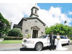 ハワイ 1日完結挙式(ウェディング) セントラル・ユニオン教会(中聖堂) ビーチフォト付きシンデレラドリームパッケージ(挙式・撮影・衣装・メイク)