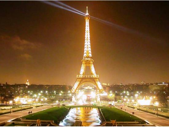 ユーロスターで行く!パリ 1泊2日観光ツアーデラックス<エッフェル塔ランチ 三ツ星ホテル ロンドン発> イギリス