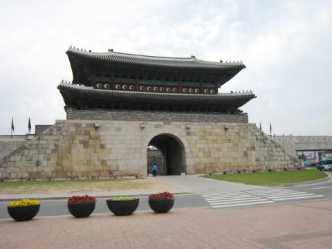 水原華城1