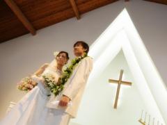 ハワイ 1日完結挙式(ウェディング) プリマリエ教会 ビーチフォト付きシンデレラドリームパッケージ(挙式・撮影・衣装・メイク)