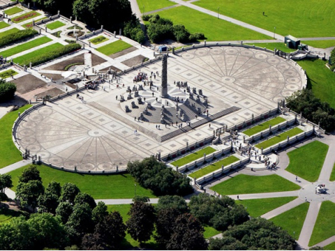Vigeland-From-above-monolith