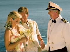 ハワイ 1日完結挙式(ウェディング) スターオブホノルル号 夫婦の愛を誓い合うセレモニー! バウ・リニューアル&サンセット・クルーズ・パッケージ