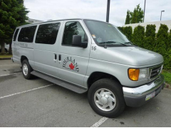 VAN  Ford E350  11PASS_001 (Small)