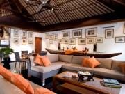 mamoth lounge
