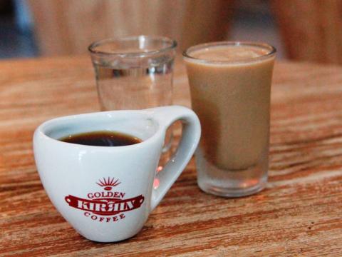 13-64A-Coffee shopping