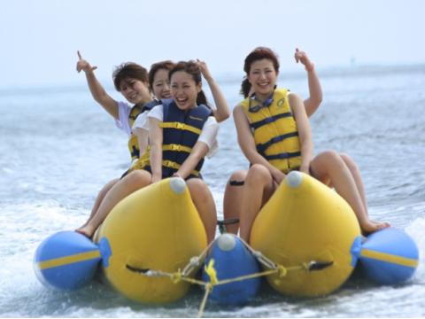 カネオヘ湾 1日マリンスポーツ&サンドバー(砂州)ウォーキングパッケージ by トロピカル・オーシャン・スポーツ