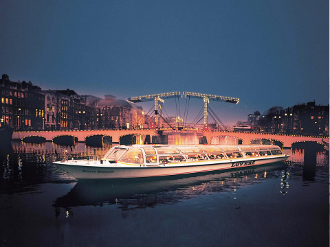 20140313150100_145180_lovers-boot-magere-brug-avond