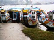 1382154010Hue-boat3