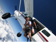 jump from plane tandem skydive byron bay australia