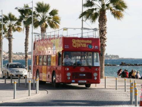 Hop-on Hop-off 観光バス