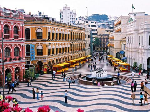 香港発 マカオ観光ツアー