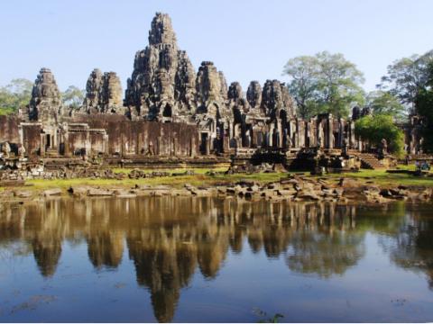アンコールトム (バイヨン) (アンコール・ワット/遺跡群)   カンボジアの観光・オプショナルツアー専門 VELTRA(ベルトラ)ツアーにより、各日のご予約枠には限りがございますアンコールトム (バイヨン) (アンコール・ワット/遺跡群)   カンボジアの観光・オプショナルツアー専門 VELTRA(ベルトラ)