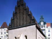 praha_-_staronova_synagoga_[2419x3543]