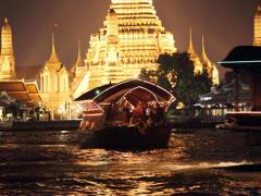 Visiting_Wat_Arun30