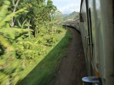 鉄道で行くツアー