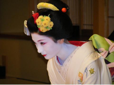 舞妓・芸妓(お茶屋・お座敷体験)