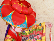 The gorgeous kimono of the yotsutake dance