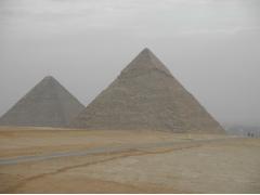 GIZA クフとカフラー王のピラミッド