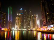 20140928063046250271_a-foggy-night-in-dubai-marina