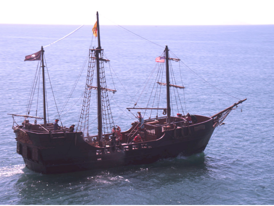 Pirate Ship Waikiki Night Party Cruise With Live DJ BYOB - Pirate ship cruise