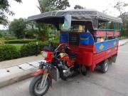 4チェンライBミヤンマーのツアー車