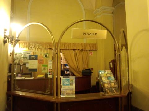 ドナウ宮殿窓口_ここでバウチャーとチケットを交換する
