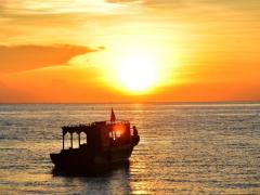 トンレサップ湖の夕日は絶景!