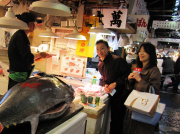 Getting the freshest sushi at Tsukiji