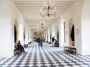 Loire_Chennonceau Hallway
