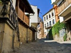 中世の雰囲気を残すヴェリコ・タルノヴォの町並