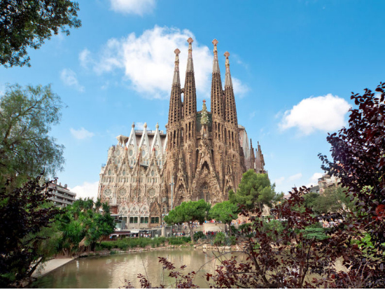 choose between half day or full day tour and discover all top attractions of barcelona including sagrada familia park gell casa mila gothic quarter and