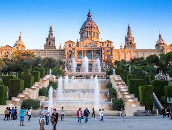 Tour with Sagrada Familia, Park Güell & Casa Mila Skip the Line ...