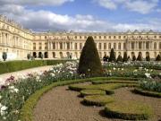 vam-02-versailles-gardens