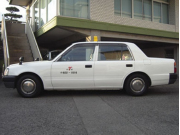(中型) トヨタクラウンコンフォート 3