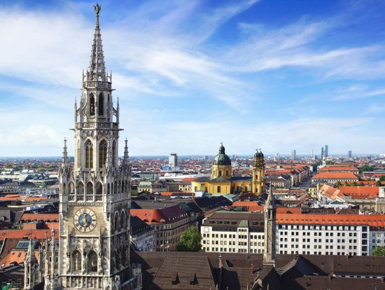 munich private half day city tour by private car with. Black Bedroom Furniture Sets. Home Design Ideas