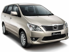 7-seater car Innova