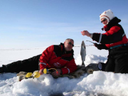 Ice-Fishing-excursions-by-Lapland-Safaris