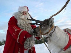 Meet-Santa-Claus-with-Lapland-Safaris