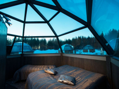 inside-the-glass-igloo-rovaniemi-lapland-finland-825x550