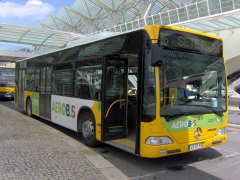 how to get from lisbon bus station to airport