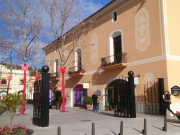 La-Roca-Village-3