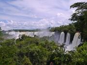 イグアスの滝 アルゼンチン側遊歩道から見える風景