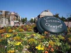 Avenue-de-Champagne-C.-Manquillet