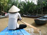手漕ぎボート5